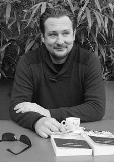 Éditions Éternel à Saint-Rémy-de-Provence : Cyril Dewavrin, Directeur de Collection.